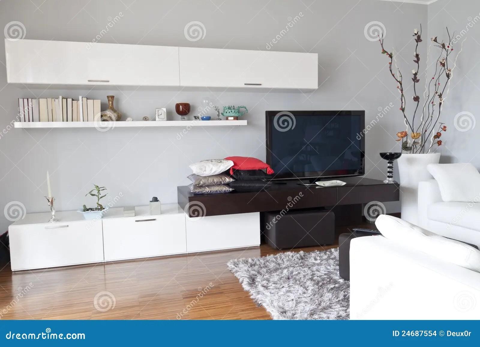 Binnenland Van Een Woonkamer Vlak TV Wit Meubilair Stock