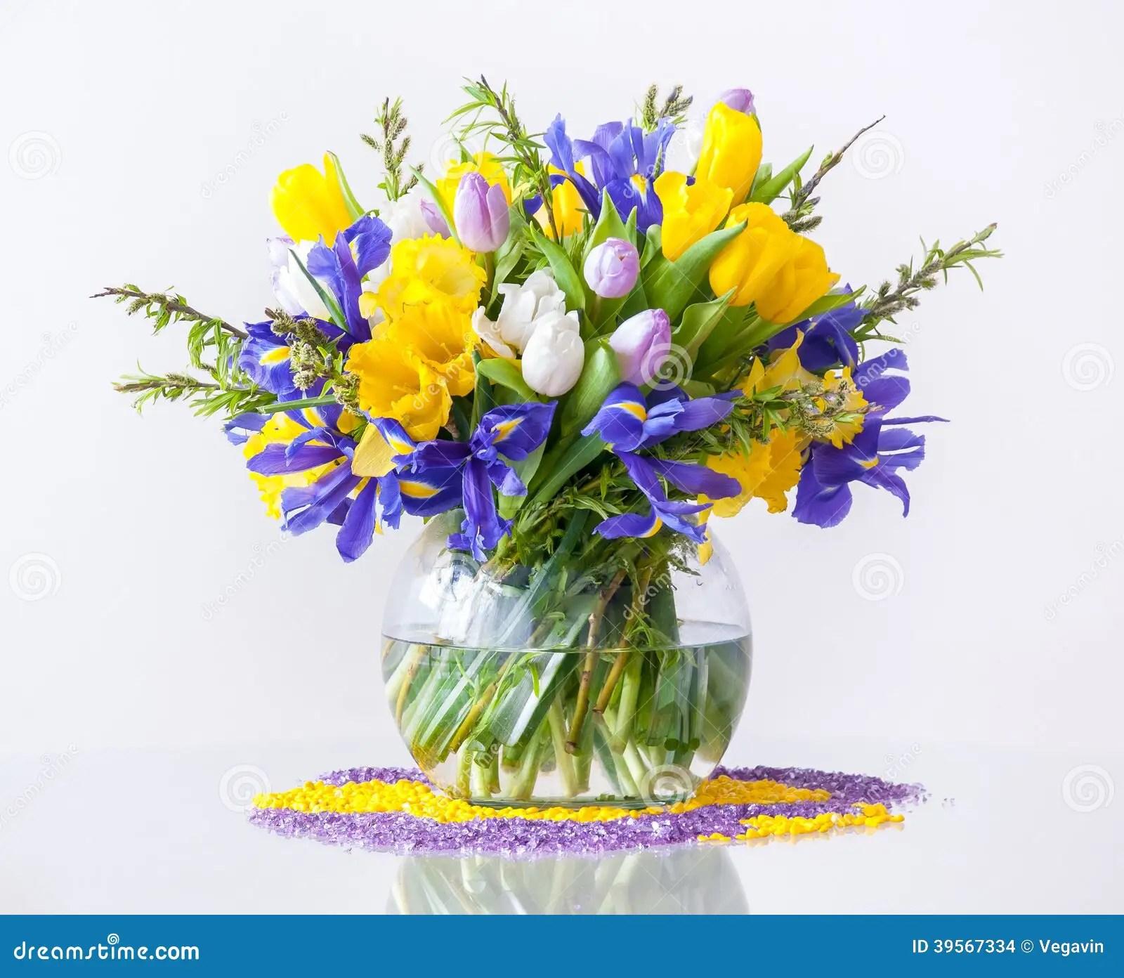 Blumenstrau Von FrhlingsBlumen Stockfoto  Bild 39567334