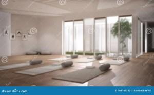 yoga studio inner space empty interior open blur patio mats tree garden interna sfocato spazio sfondo aperto struttura vuoto stuoie