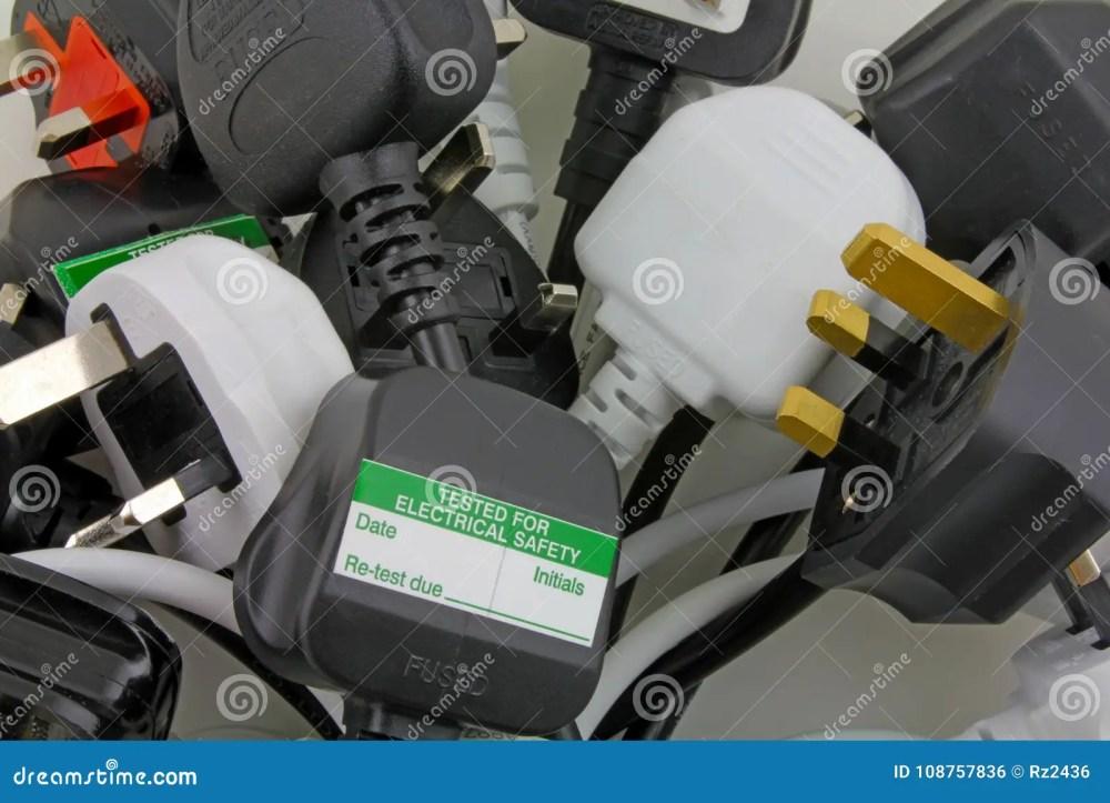 medium resolution of plan view of uk electrical plugs