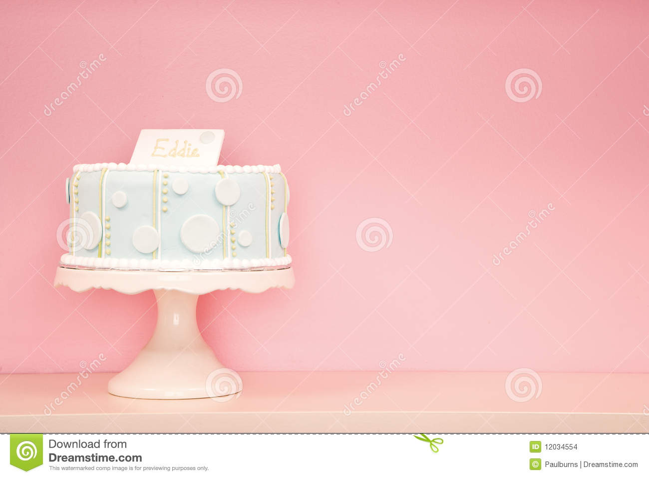 Cute Birthday Cake Wallpaper Bolo Decorado De Encontro Ao Fundo Cor De Rosa Foto De