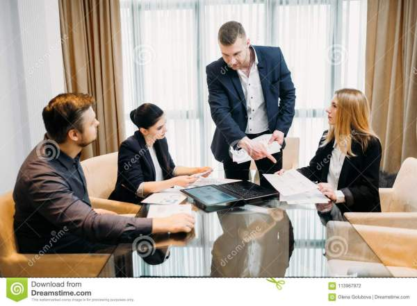 Business Instruction Stock - 4 197