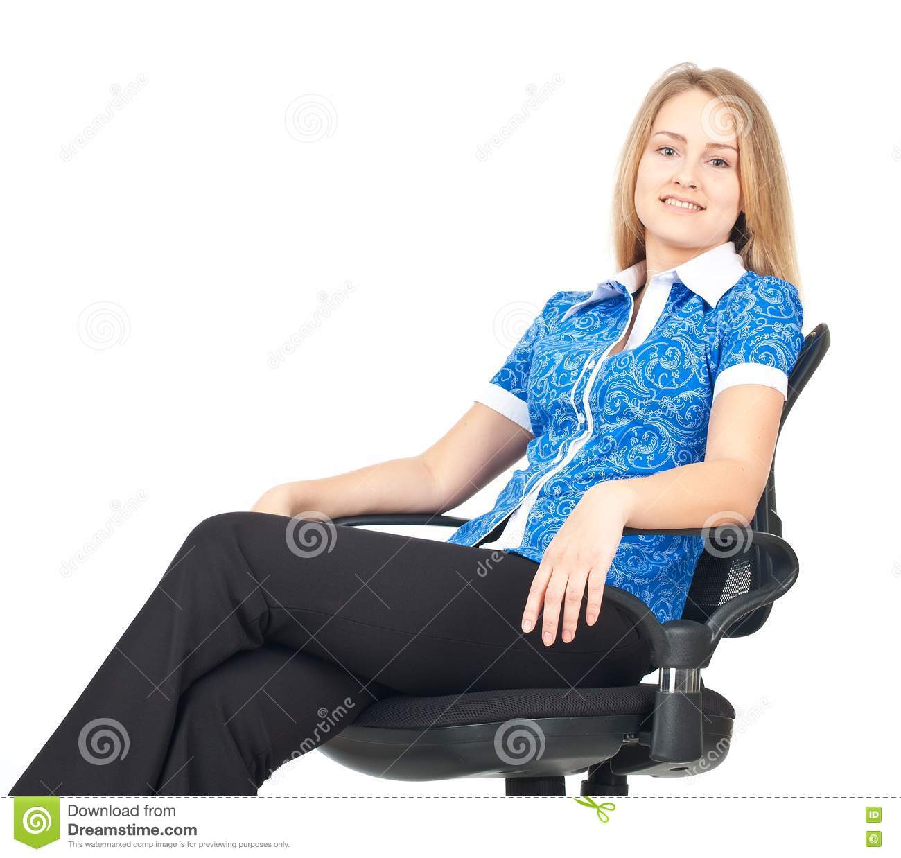 woman sitting in chair canopy beach chairs barber newhairstylesformen2014