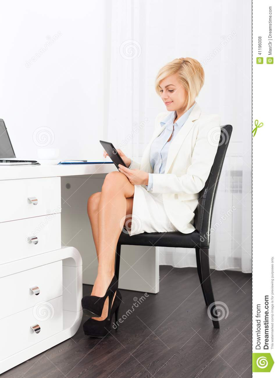 xl desk chair lightweight outdoor folding chairs business woman using tablet sitting office stock photo - image of legs, communication: 41196008