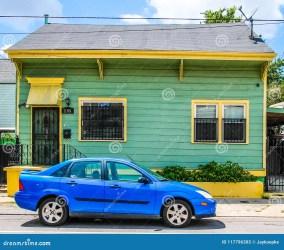 Casa Del Verde Lima Y Del Amarillo En 7ma Sala De New Orleans Luisiana Imagen de archivo Imagen de luisiana verde: 117796303