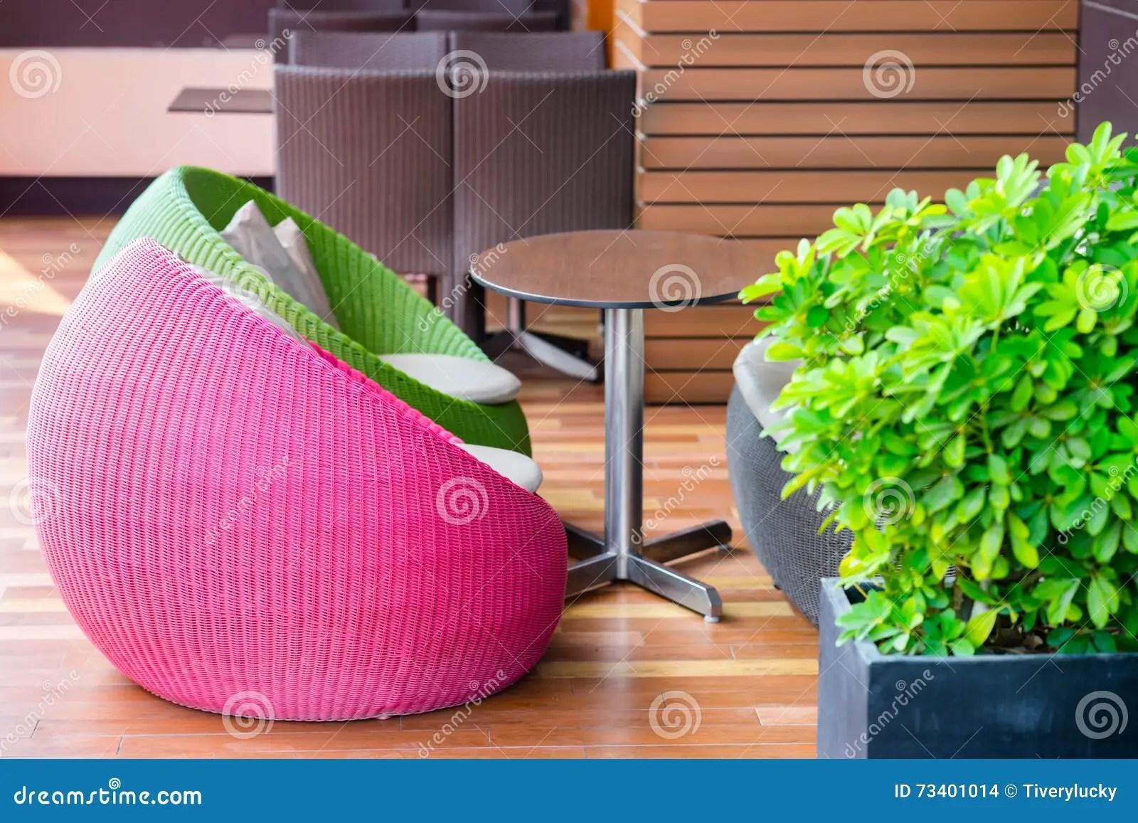 chaises en osier exterieures