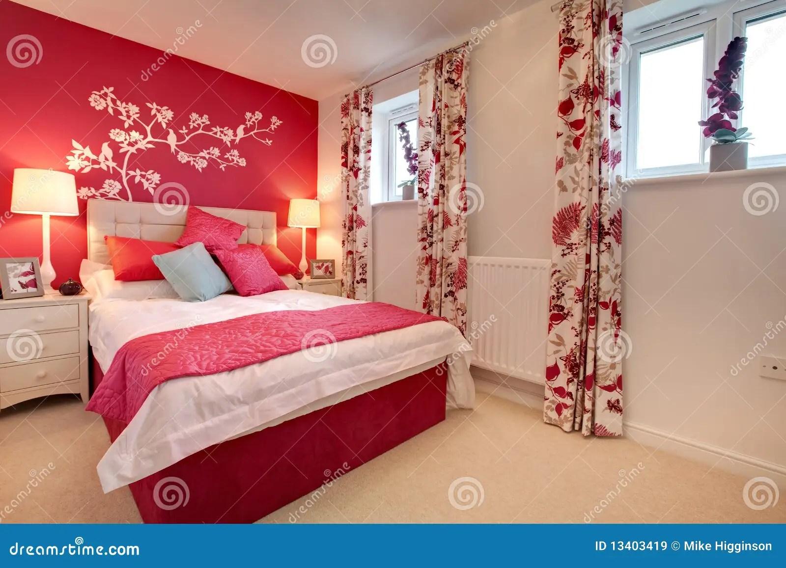 Chambre  Coucher Brillamment Dcore Moderne Images libres de droits  Image 13403419