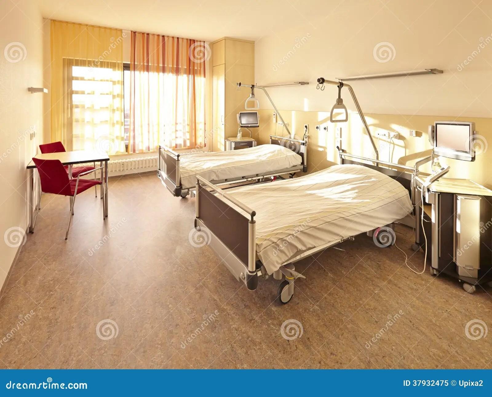 Chambre Pour Deux Personnes De Lit Dhpital Image stock  Image du trappe sant 37932475