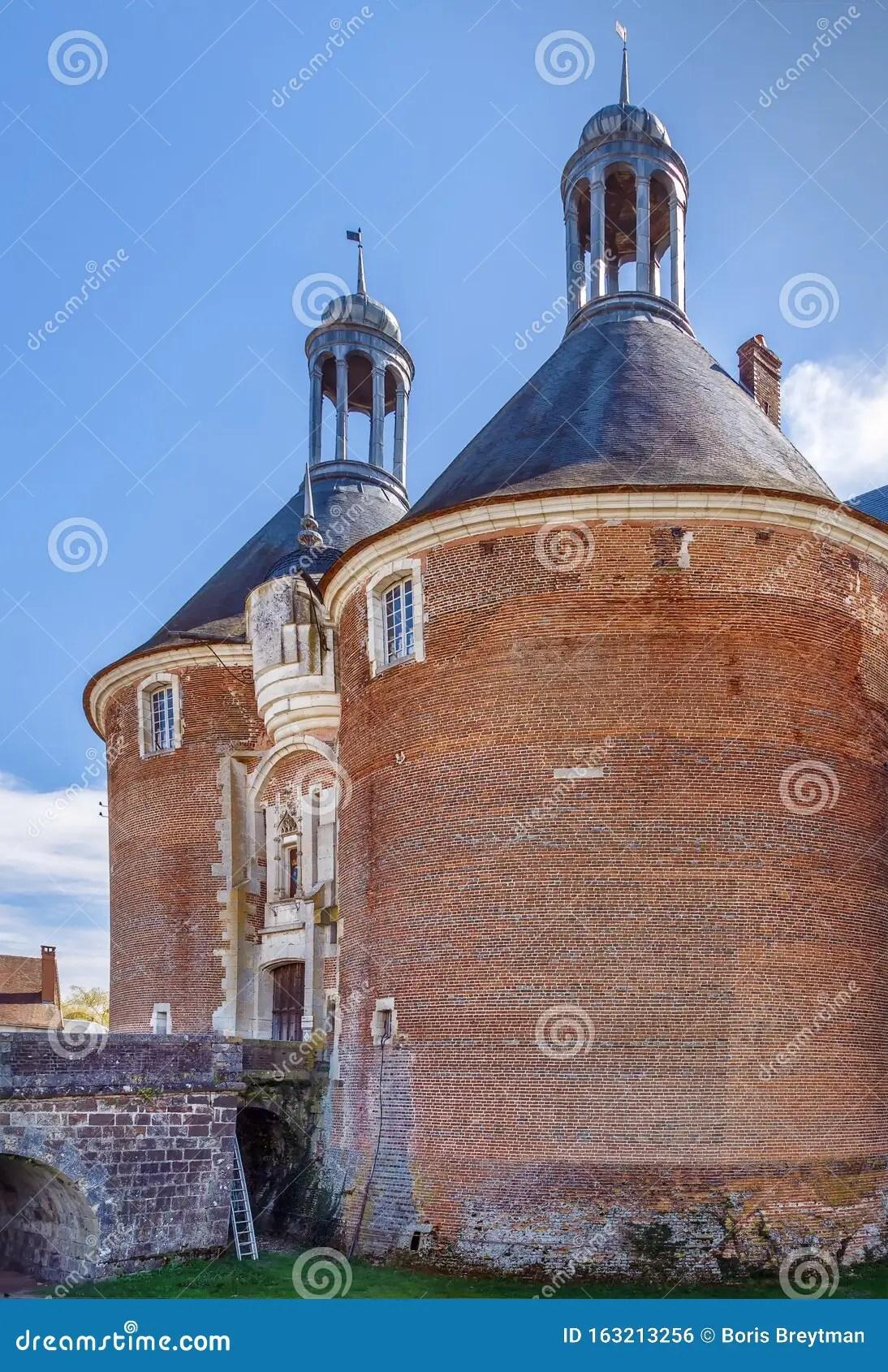 Château De Saint-fargeau : château, saint-fargeau, Castle, Saint-Fargeau,, France, Stock, Photo, Image, Landmark,, Monument:, 163213256