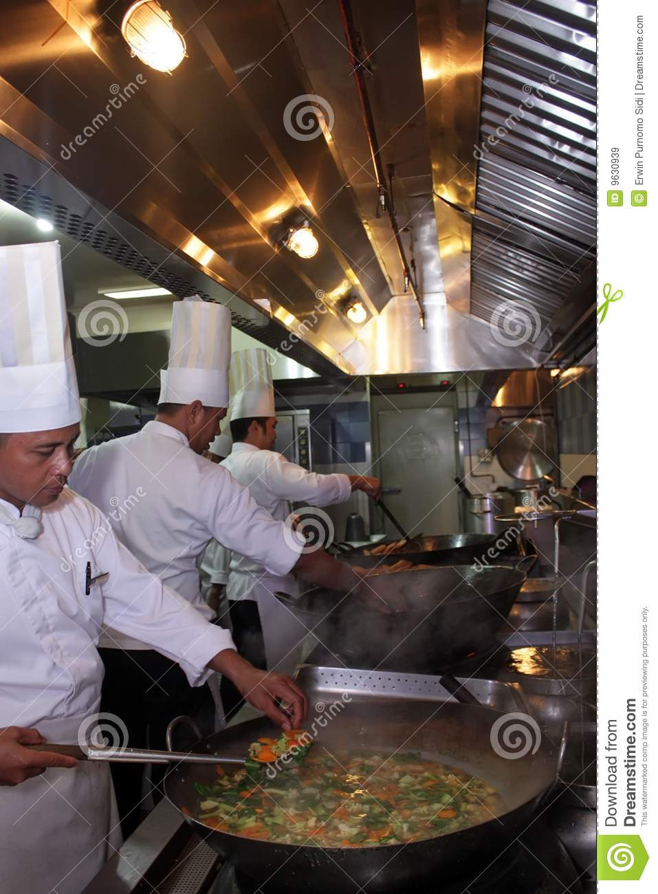 Chef Working In The Kitchen Royalty Free Stock Images