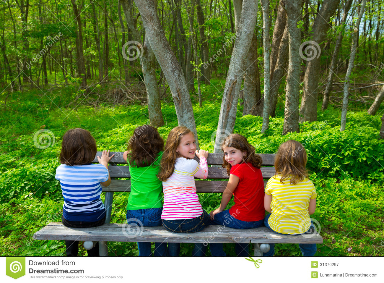 Beautiful Expersion Girl Wallpapers Children Sister And Friend Girls Sitting On Forest Park