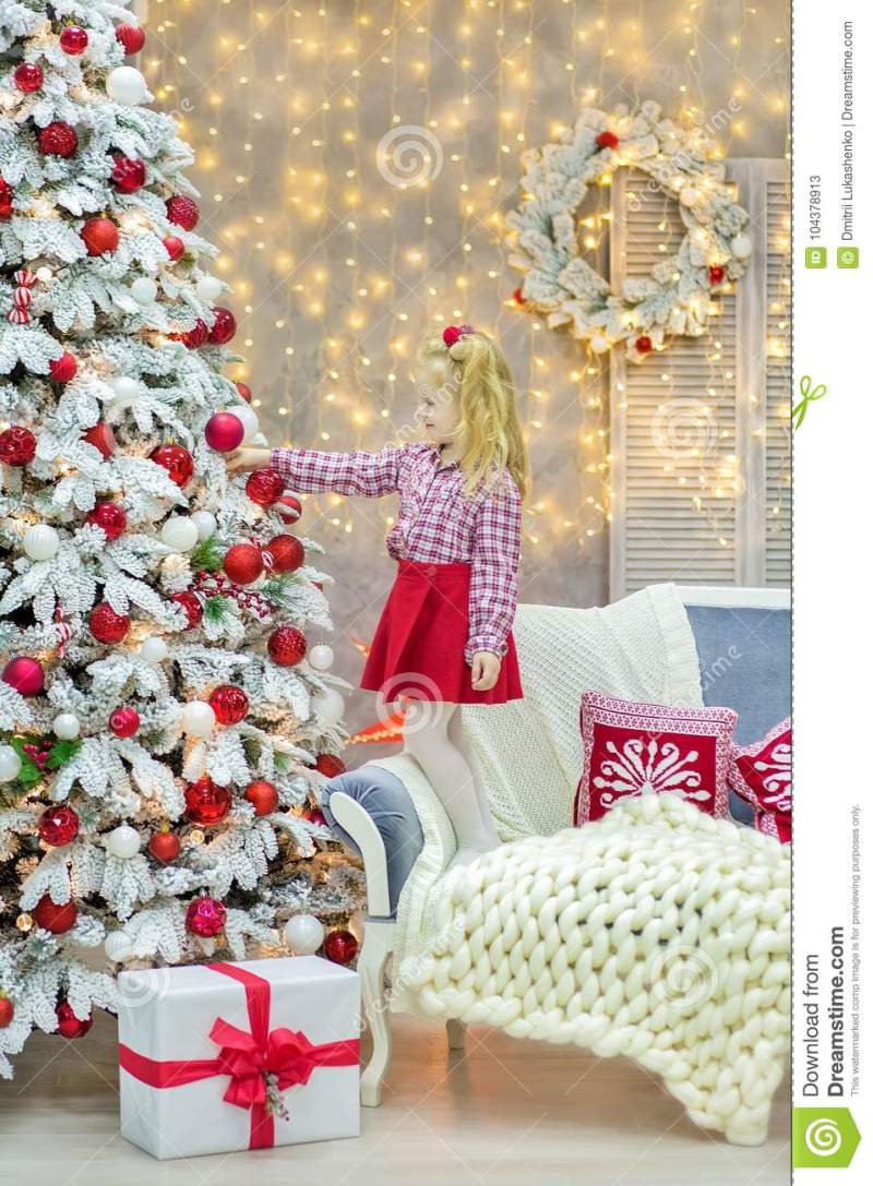 Christmas Xmas Casual Gold Studio Decorations With Cute Girl And Huge Mirror Golden Frame
