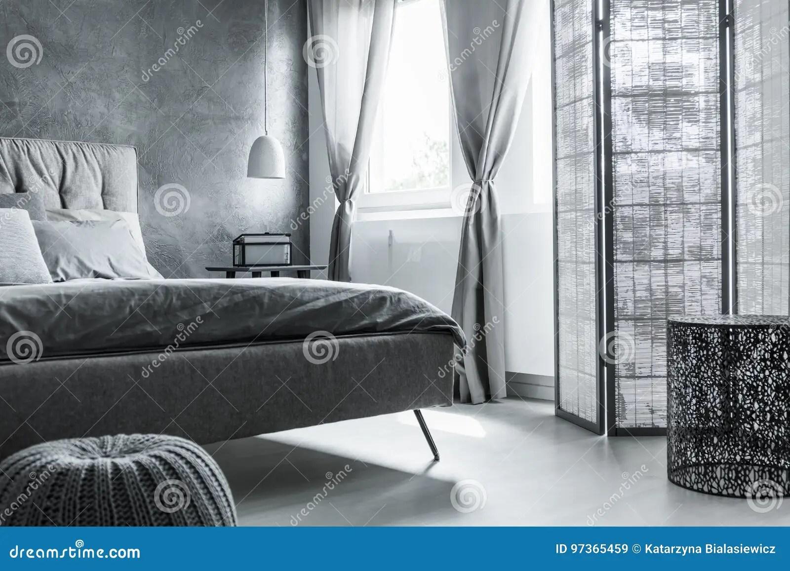 Rolgordijnen Slaapkamer 97 : Slaapkamer met grijze gordijnen villa bergencómodo interieur