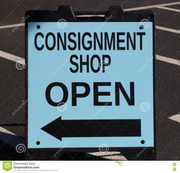 Consignment Sign Stock Of Hand - 71390933