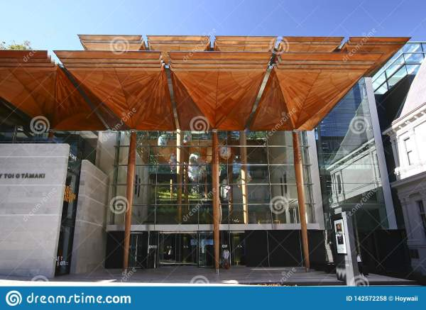 Modern Facade Of Auckland Art Toi Tmaki With
