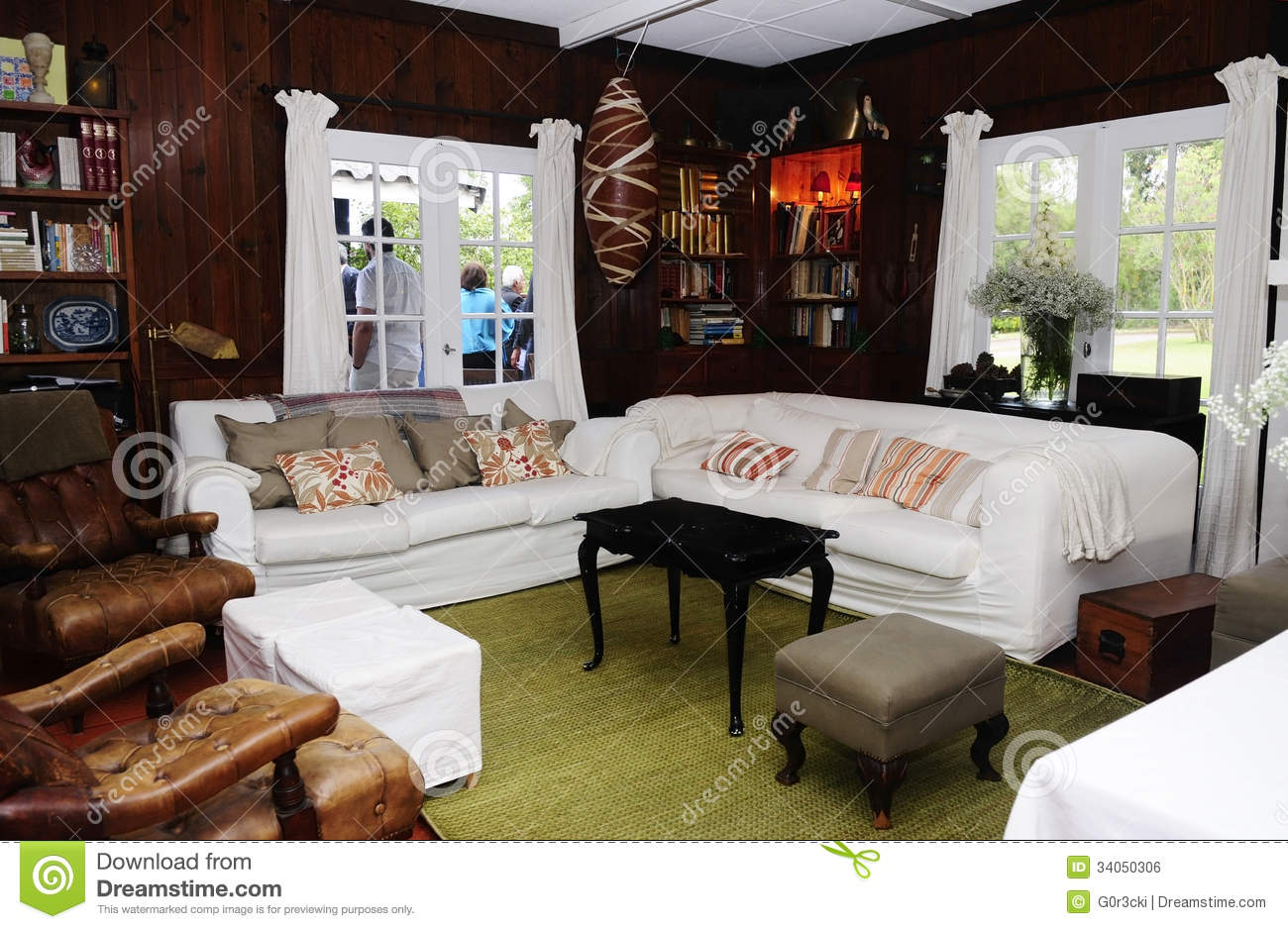 Cozy Cottage Room Home Interior Family And Friends