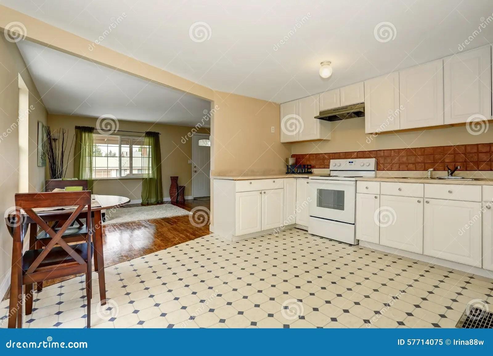 Piastrelle cucina economiche lavelli cucina con mobile e porta