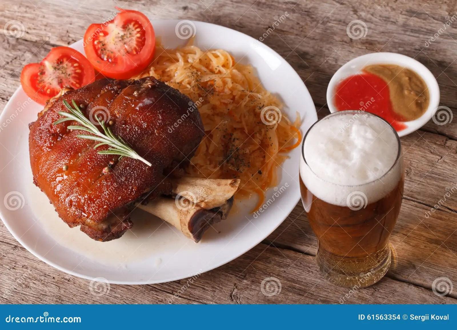 Cucina Tedesca Stinco Al Forno E Primo Piano E Birra Dei Crauti Fotografia Stock  Immagine