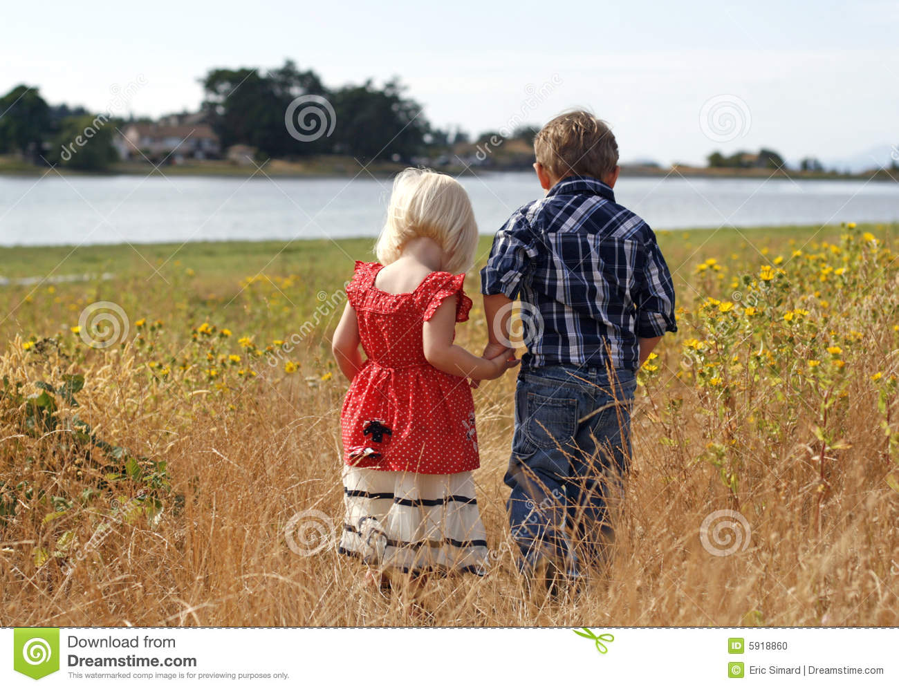 Cute Little Boy And Girl Wallpapers Cute Little Girl And Boy Holding Hands Stock Photo Image