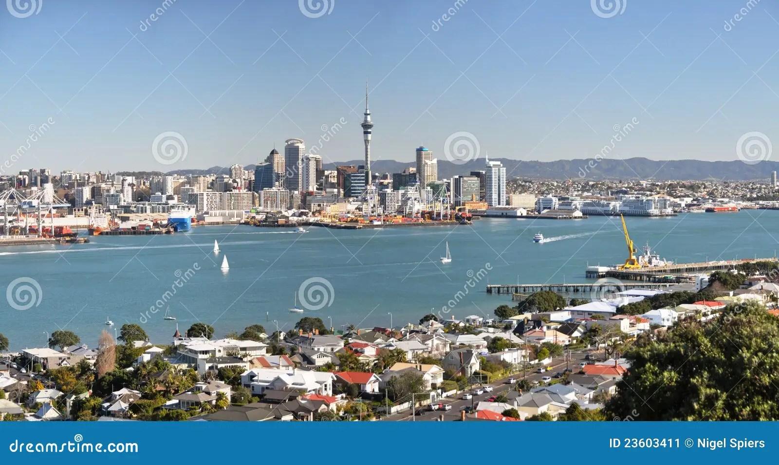 De Stad Van Auckland & Devonport Panorama, Nieuw Zeeland Stock Afbeelding - Afbeelding bestaande uit voorstad, panorama: 23603411