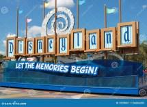Disneyland California Sign