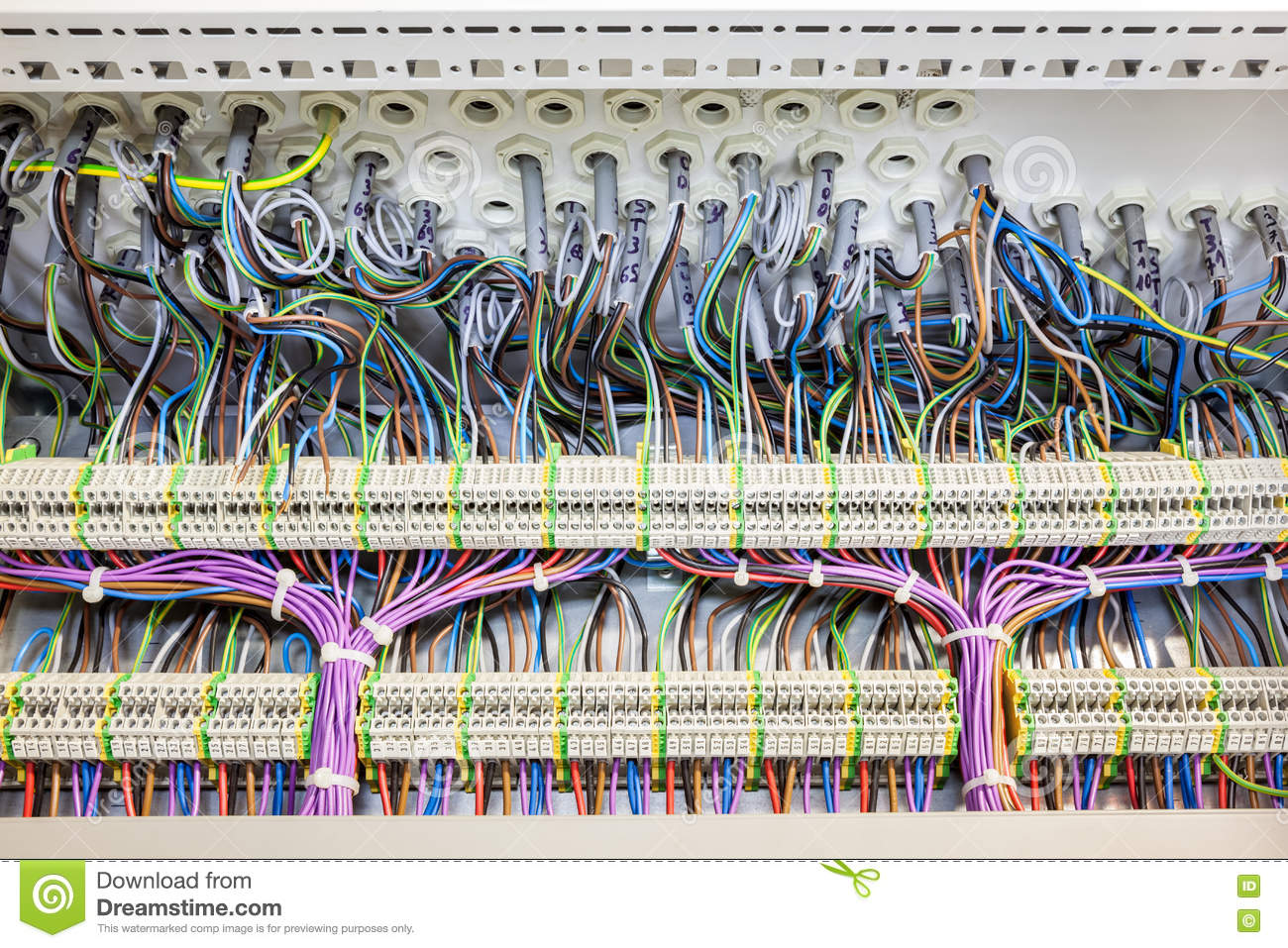 hight resolution of in an fuse box there are an lot of electrical cables with tar