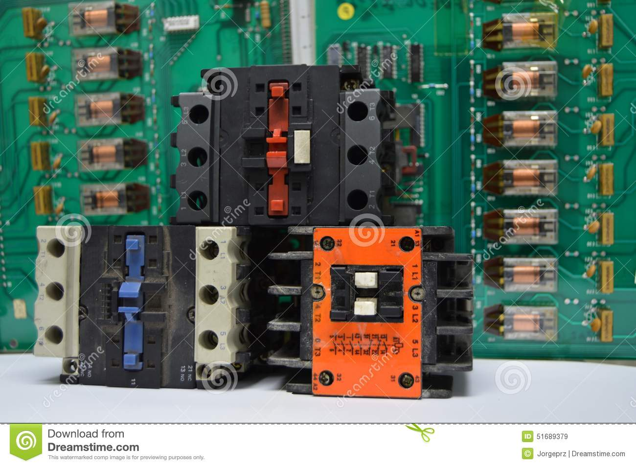 Electronic Relay Manufacturers