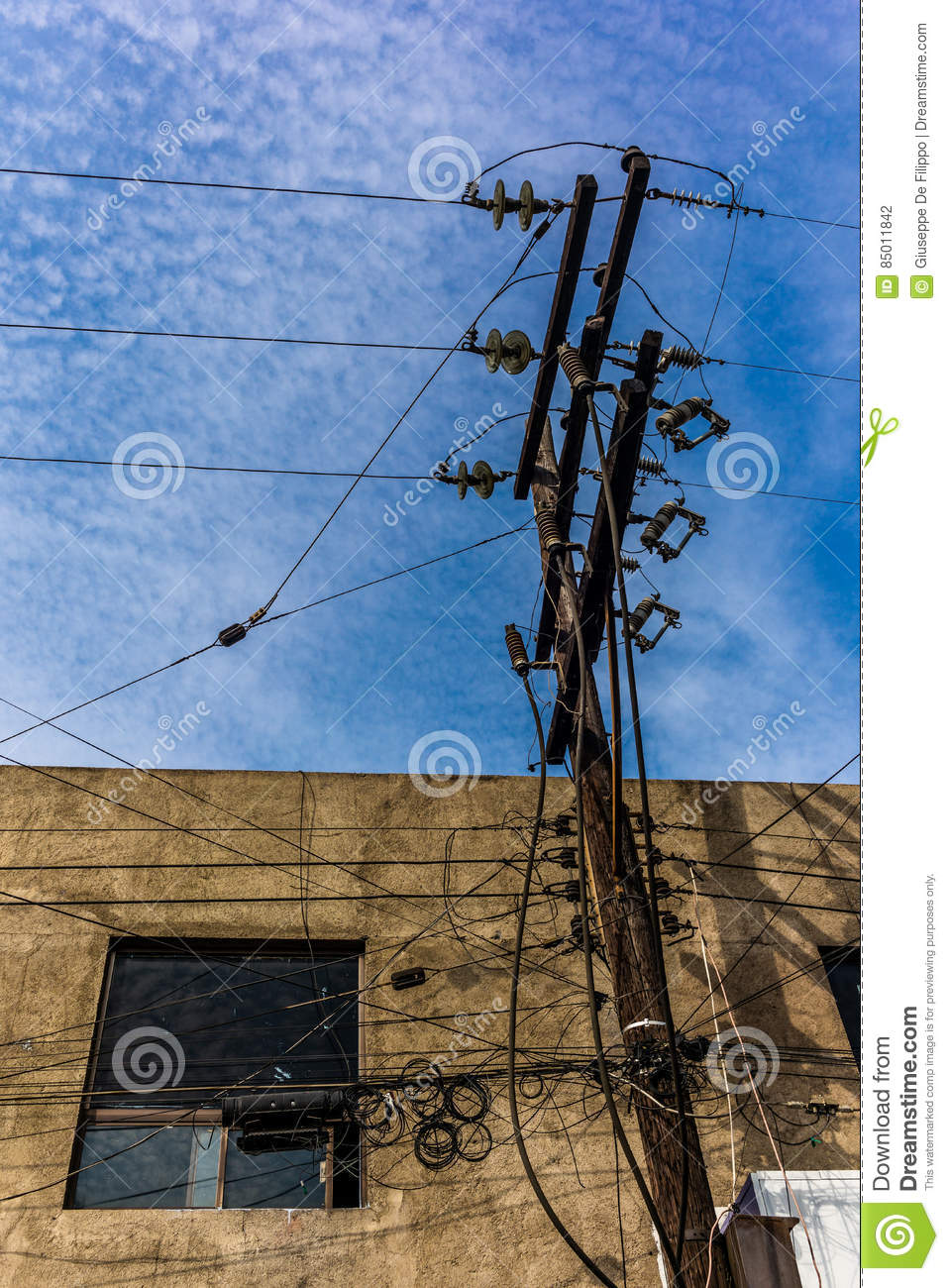 hight resolution of electricity and telephone wires in mexico