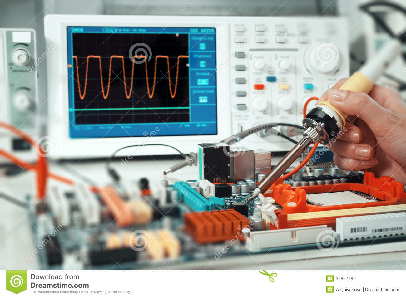Electronics Repair Royalty Free Stock Images  Image 32667269