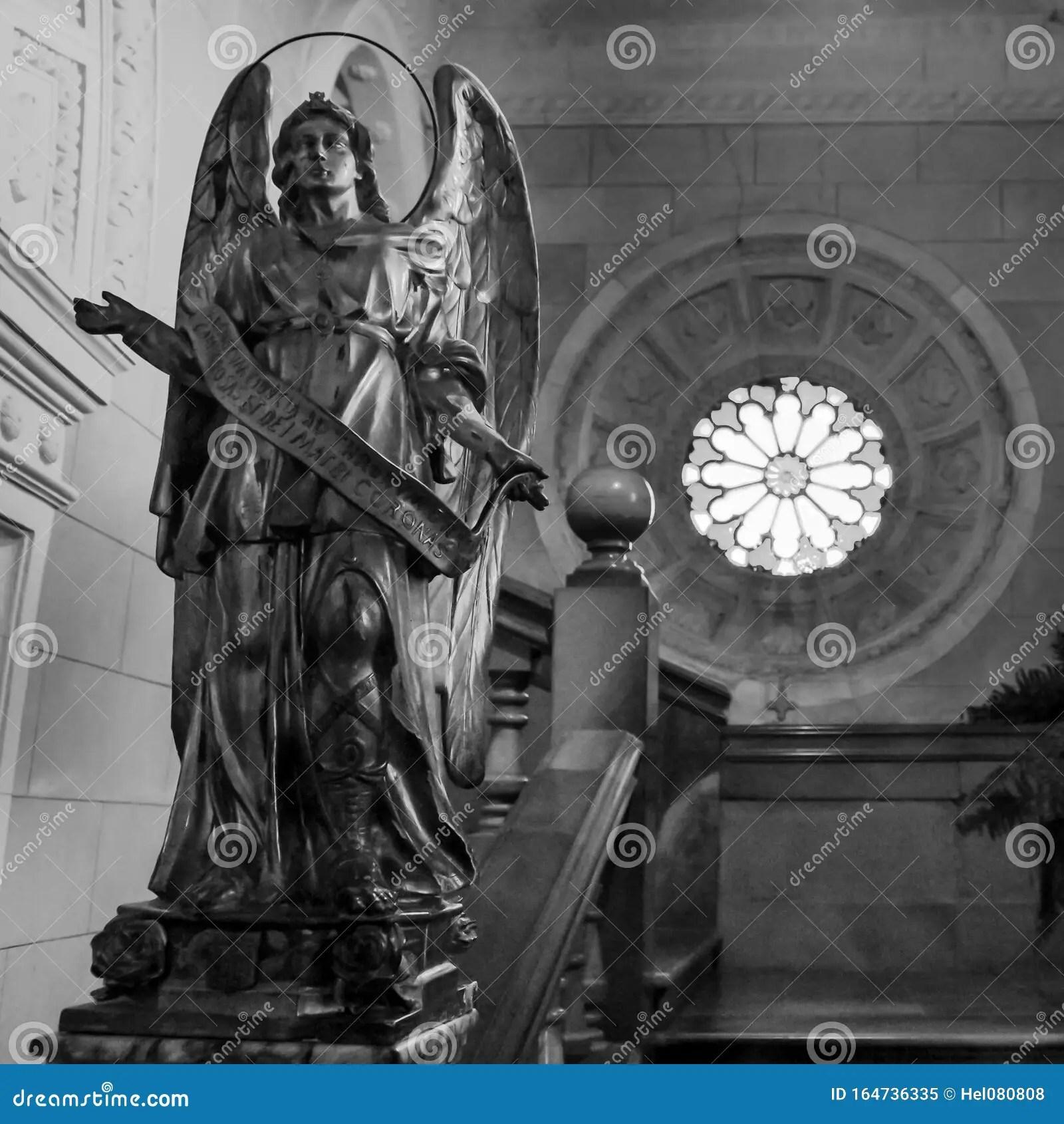 engel in der kirche santuari de sant
