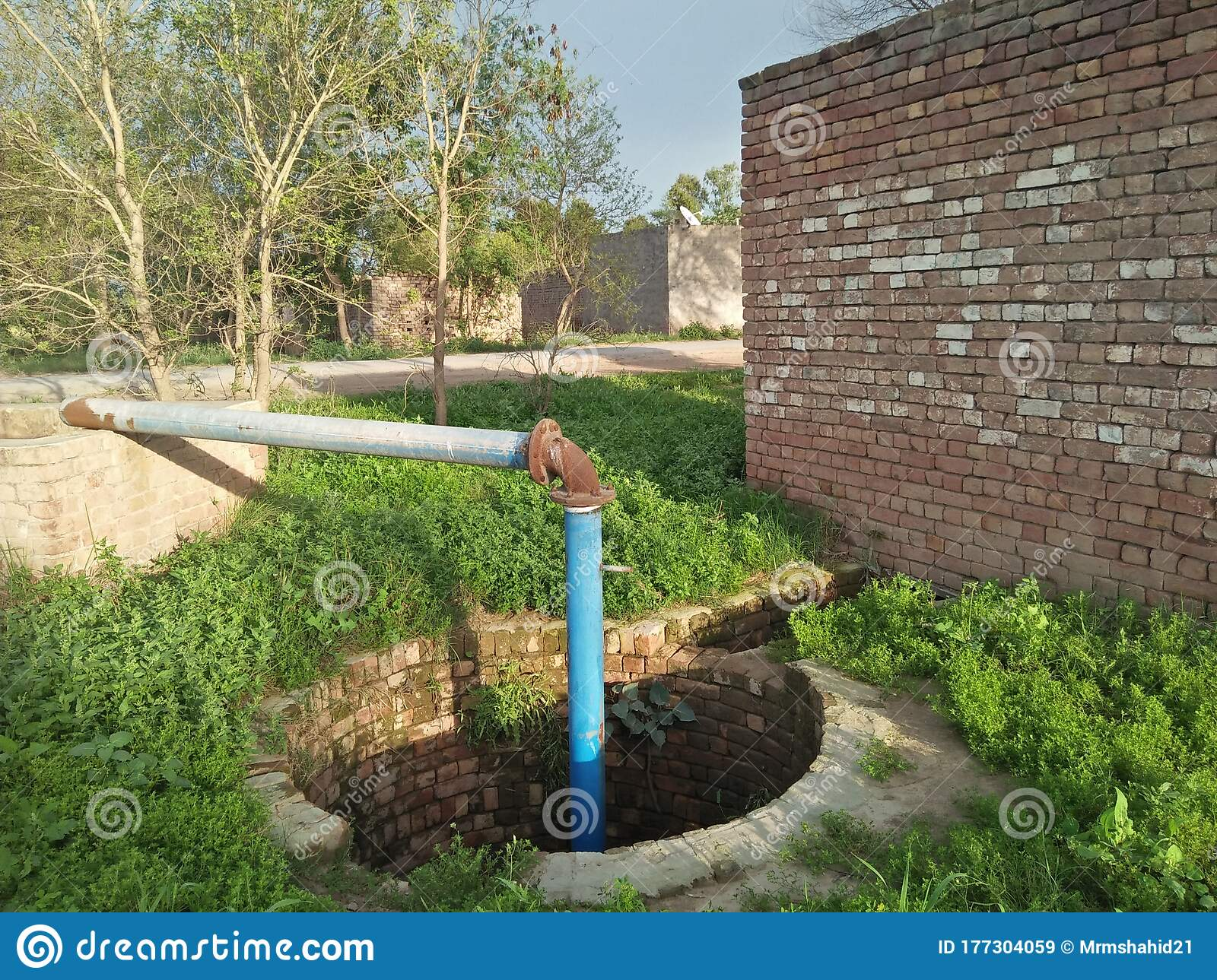 Nicole thea, a london dancer and influencer who had gained a following for her youtube videos following her pregnancy, died saturday. Engine Tube Well Used For Drainage Of Water In Punjab Pakistan For Irrigation Stock Image Image Of Water Tube 177304059