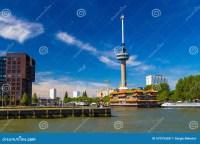 Euromast-Turm In Rotterdam Mit Dem Schwimmen Des ...