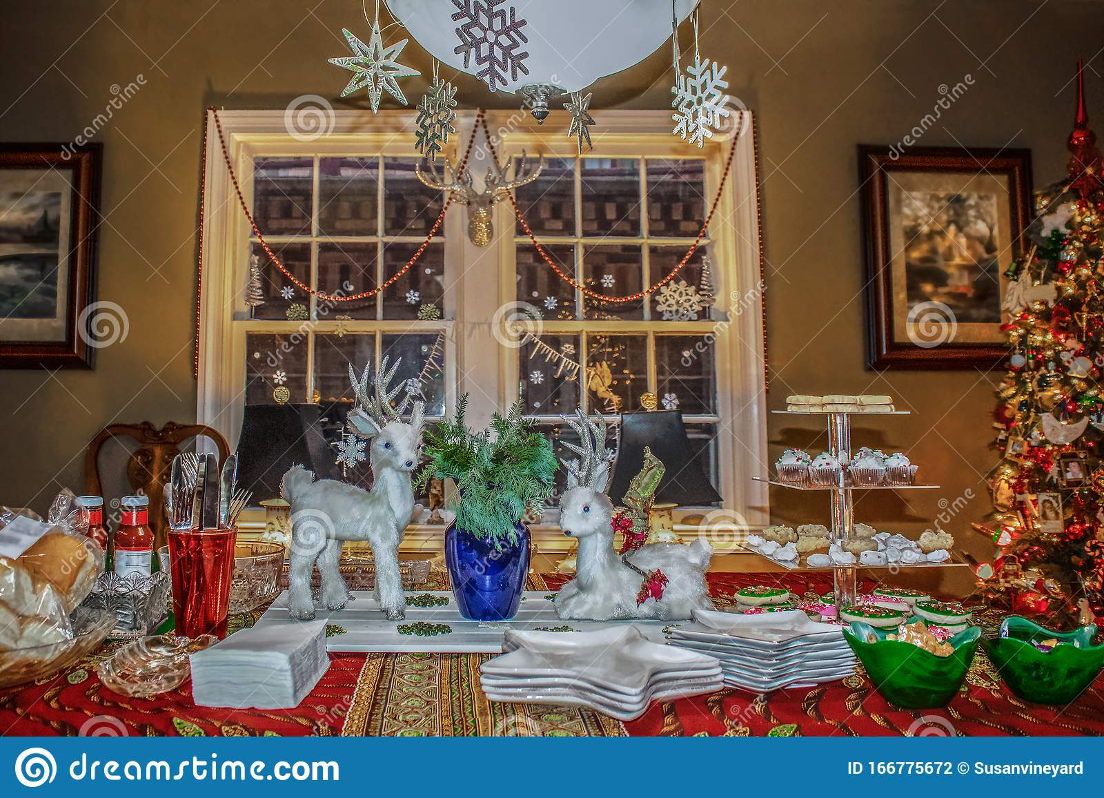 Family Dining Room With Decorations And Christmas Tree Ready For Christmas Eve Buffet Stock Photo Image Of Celebration Living 166775672