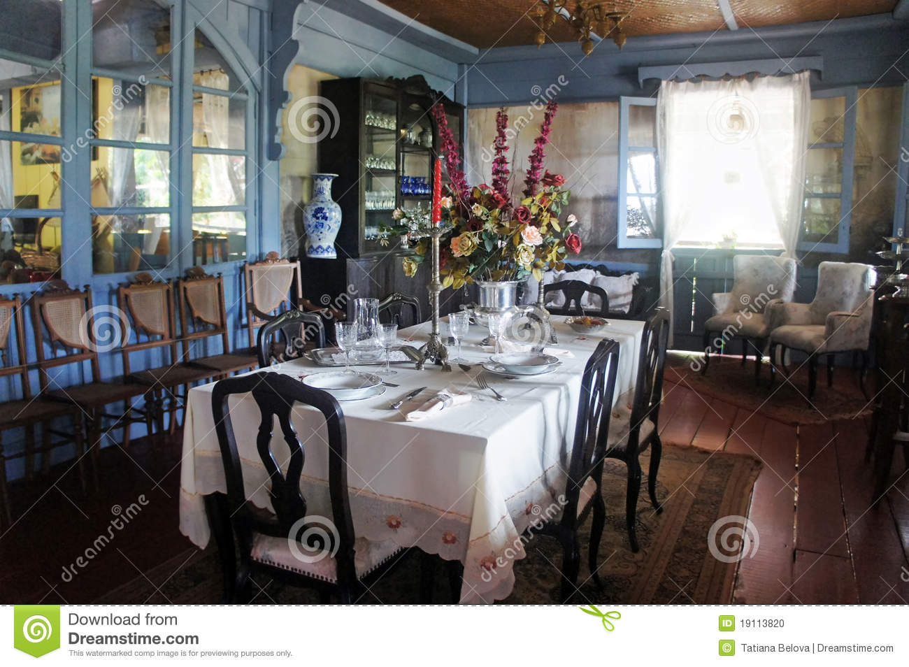 rustic kitchen table and chairs overstock island farm home interior stock photo - image: 19113820