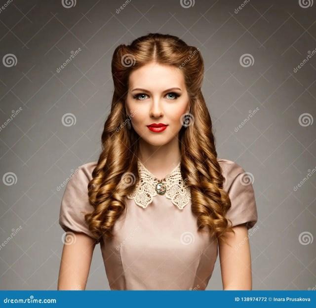 fashion model retro hairstyle, elegant woman old fashioned