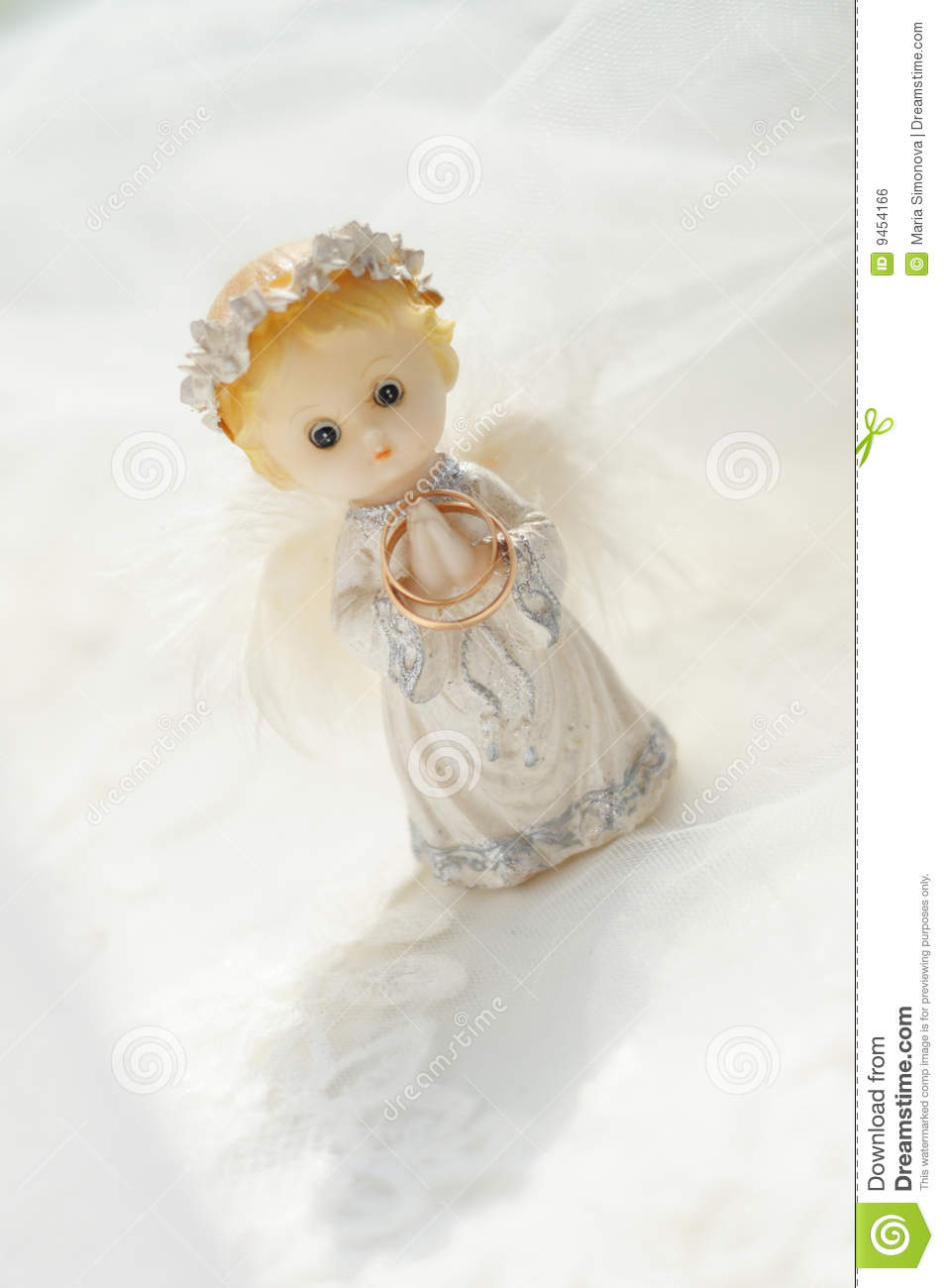 Figure Of A Small Angel Royalty Free Stock Image Image 9454166