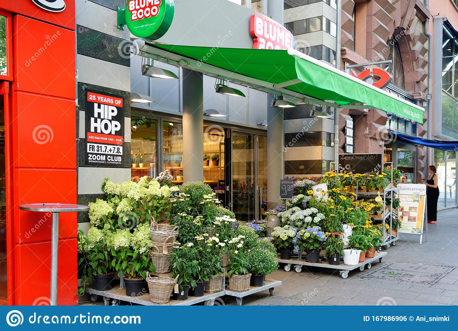 Outdoor Geschäft Frankfurt Flower Shop In Frankfurt Am Main, Germany Editorial Photo - Image Of Purchase, Canopy: 167986906