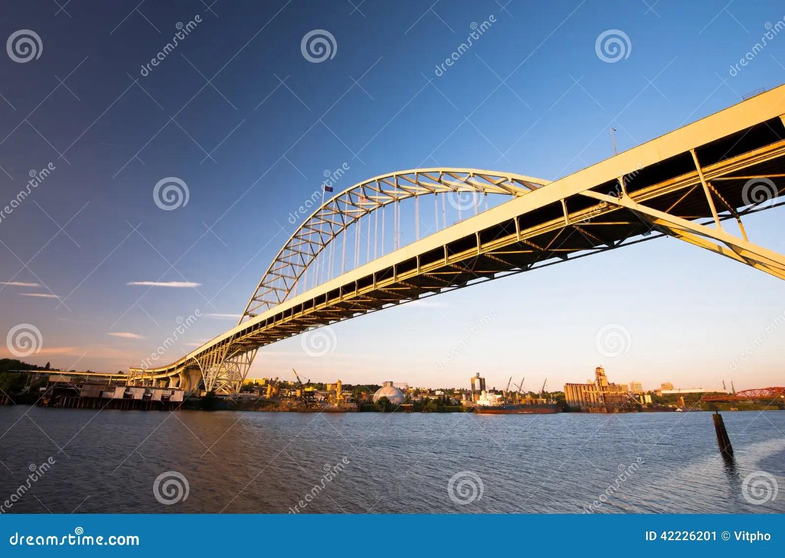 Fremont Bridge Largest Arch In America Portland Oregon Willamett Stock Photo Image 42226201
