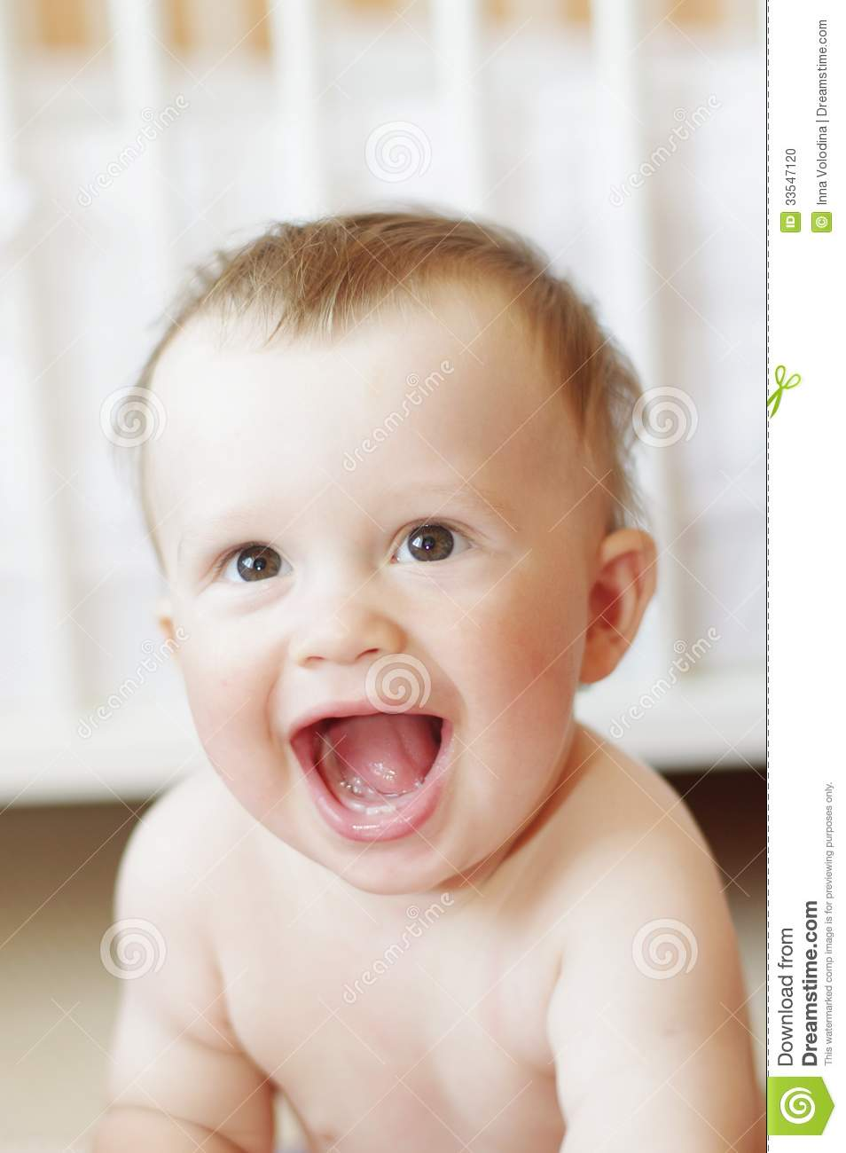What Age Should Baby Laugh