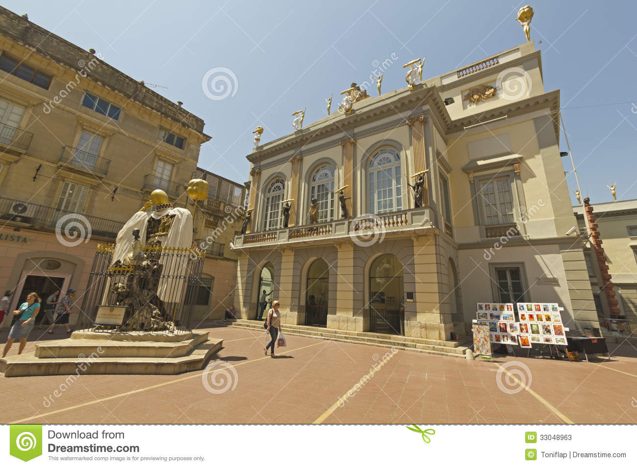 Gala And Dali Square Figueres Spain Editorial Stock