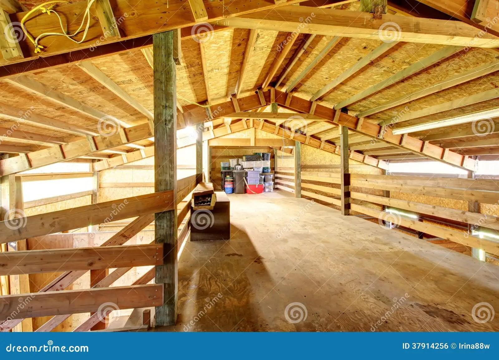 grande grange d ecurie de cheval de ferme