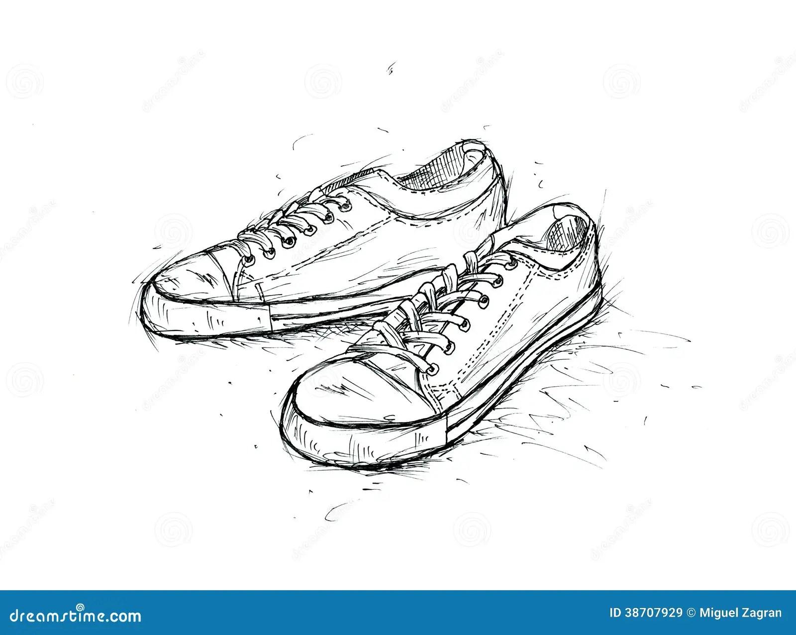 sepatupria-terbaru: A Pair Of Tennis Shoes Images