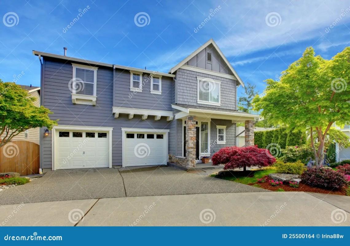 American Garage Home - grey-american-house-two-garage-doors-25500164_Must see American Garage Home - grey-american-house-two-garage-doors-25500164  HD_9482100.jpg