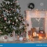 Guten Rutsch Ins Neue Jahr Weihnachtsdekor Hintergrund Kamin Baum Karte Stockbild Bild Von Jahreszeit Winter 80637405