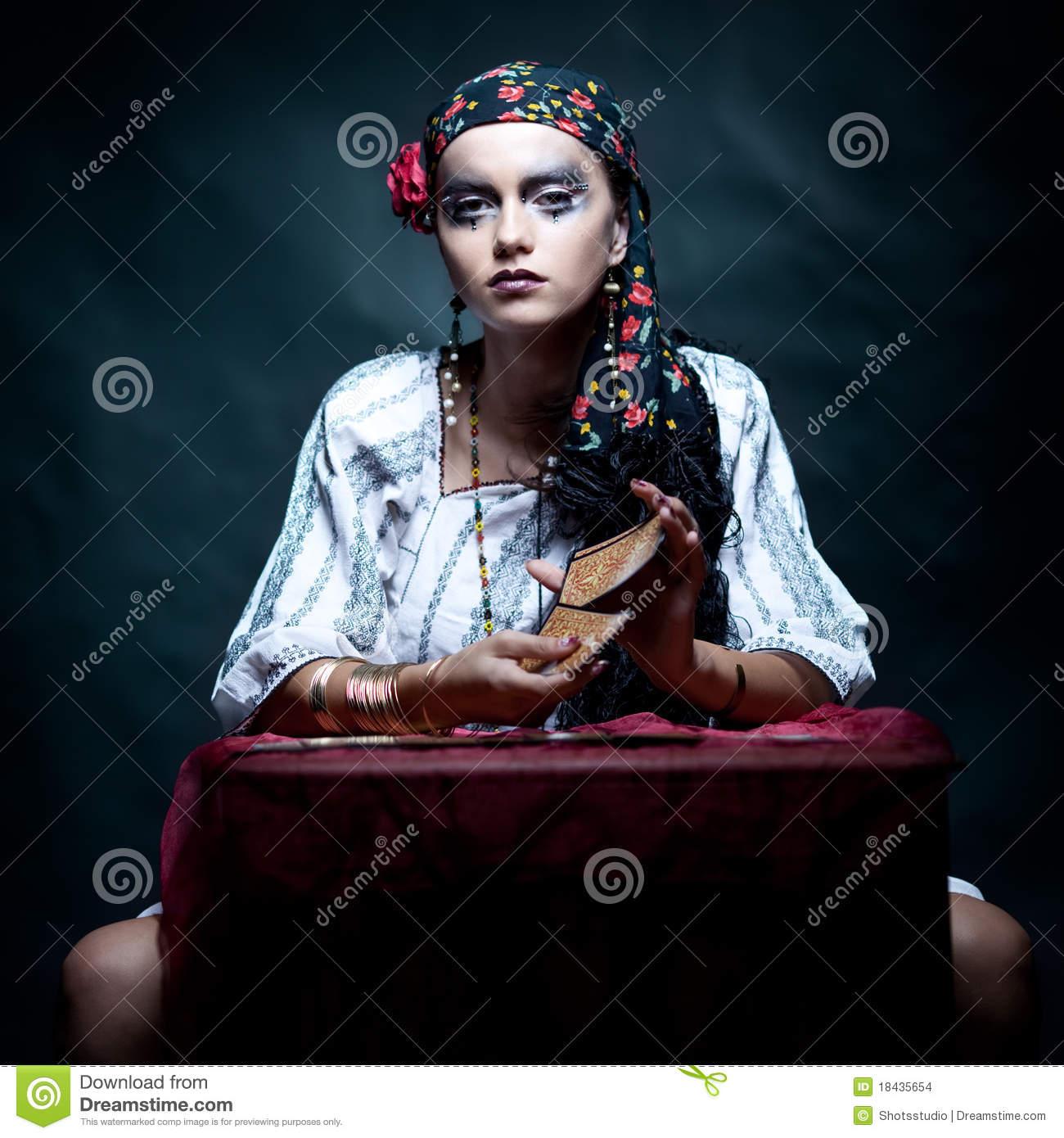 Beautiful Expersion Girl Wallpapers Gypsy Fortune Teller Mixing The Tarot Cards Stock Images