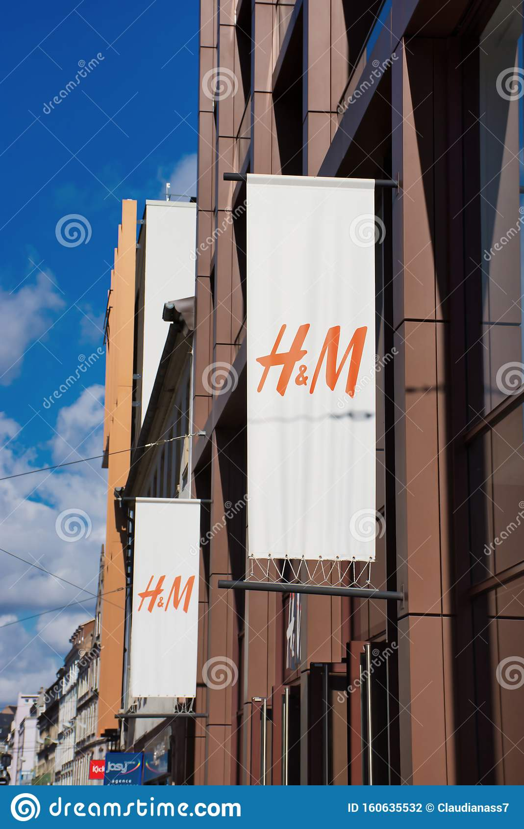 Outdoor Geschäft Frankfurt H&m Sign Outdoor At A Shop In Strasbourg Editorial Photography - Image Of International, Exterior: 160635532