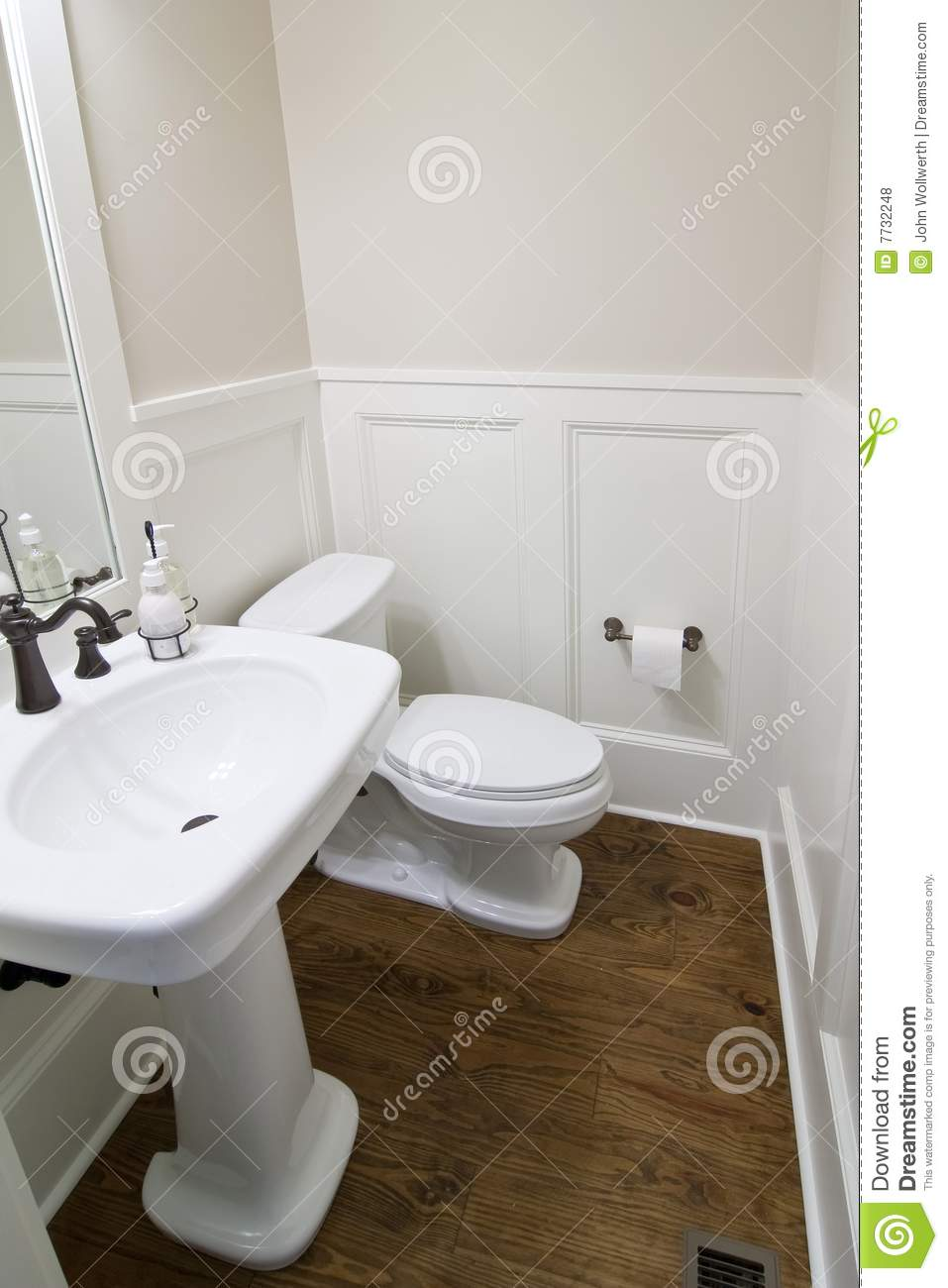 Half Bath Royalty Free Stock Photos  Image 7732248