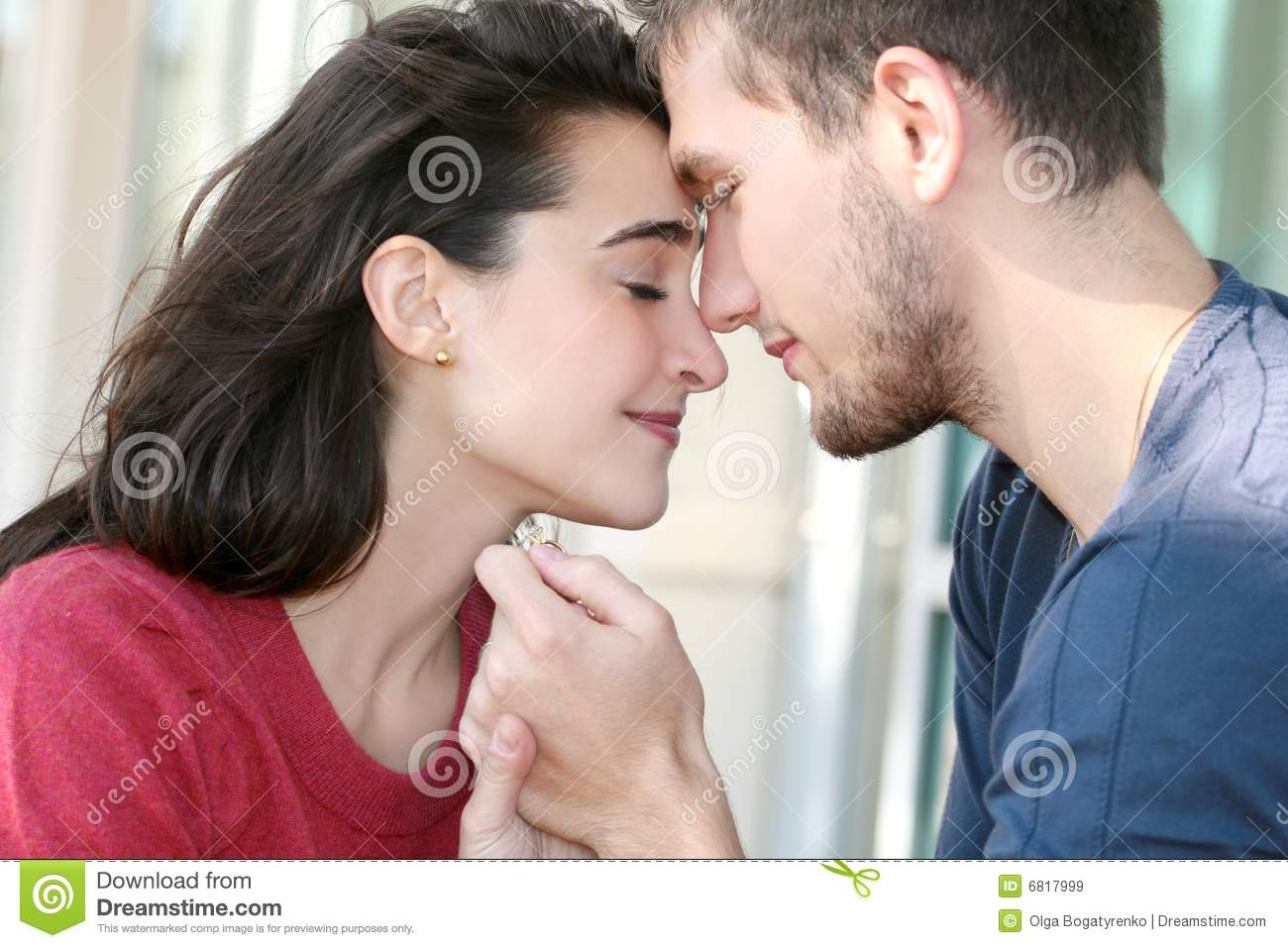 Happy Engaged Couple In Love Royalty Free Stock Images