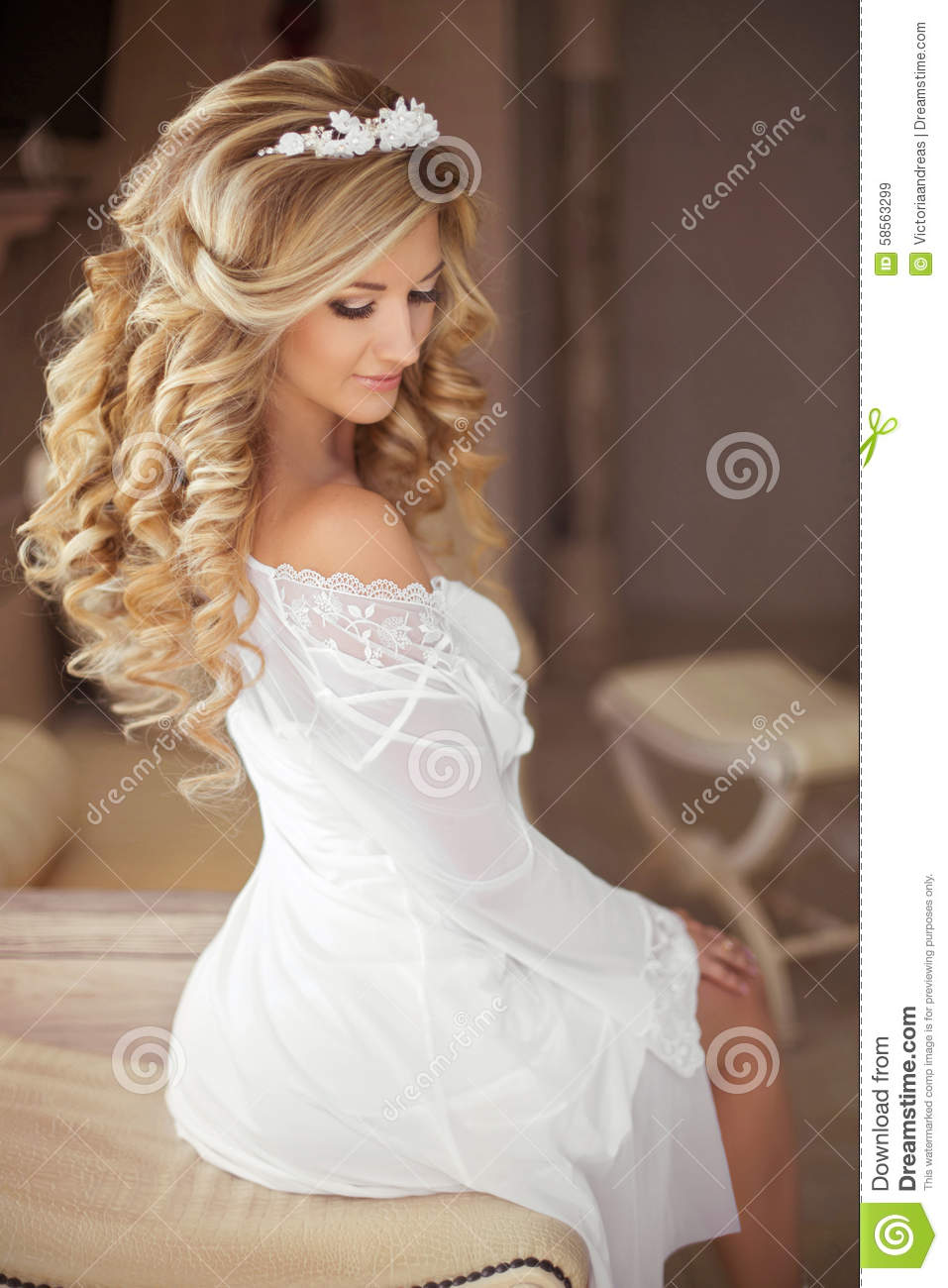 Healthy Hair Beautiful Smiling Bride With Long Blonde