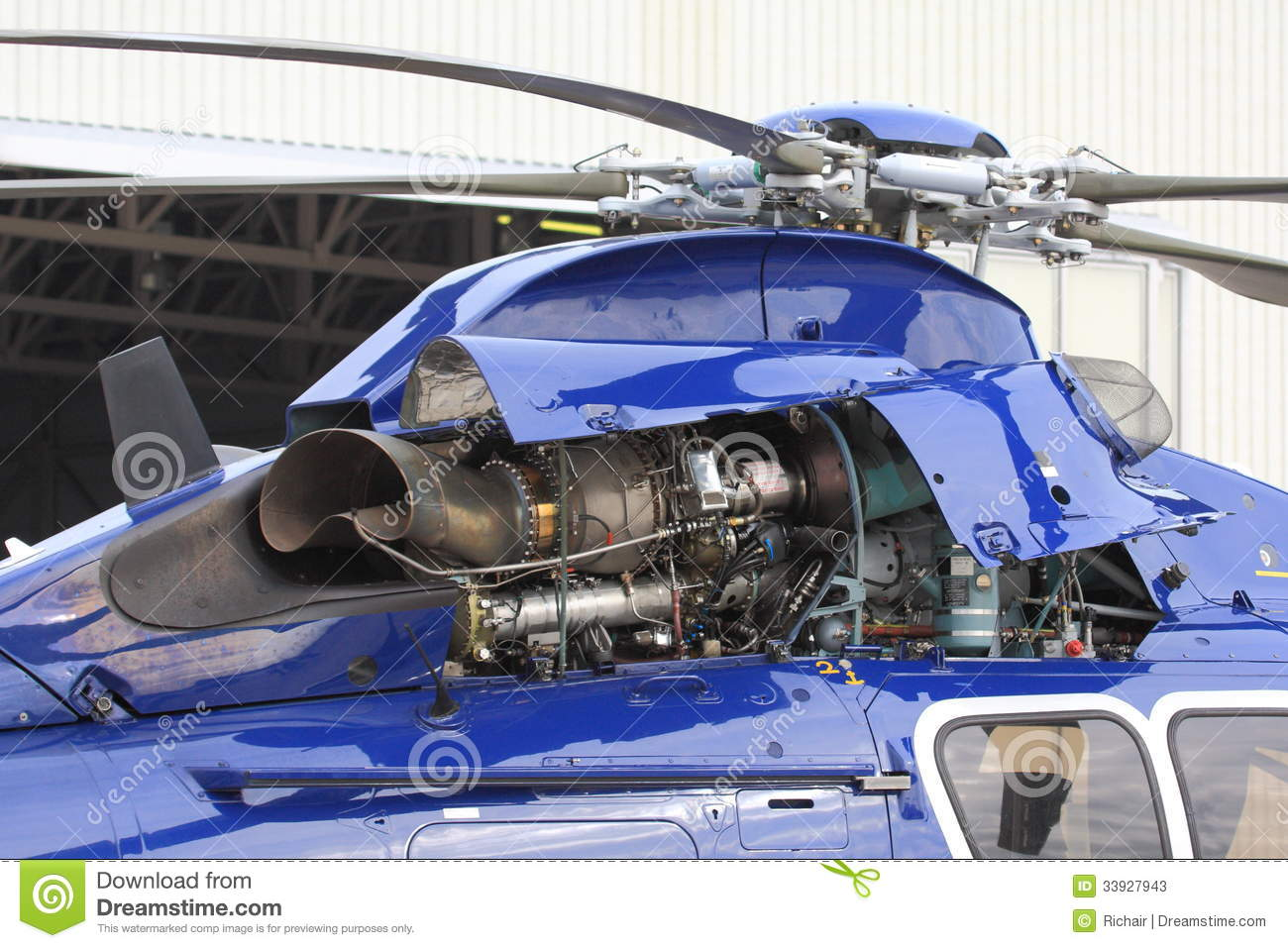 hight resolution of helicopter gas turbine engine with the cowling opened